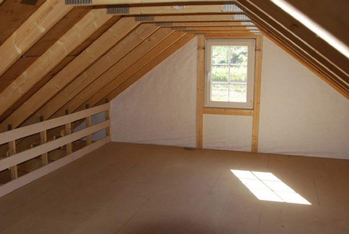 Hvad med et loftsrum på garagen? Til denne typen loft anbefaler vi garagemodellerne Hushovd og Imenes
